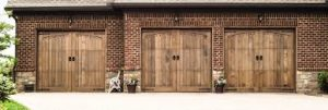 Read more about the article Expert Tips on a Garage Door Repair Project